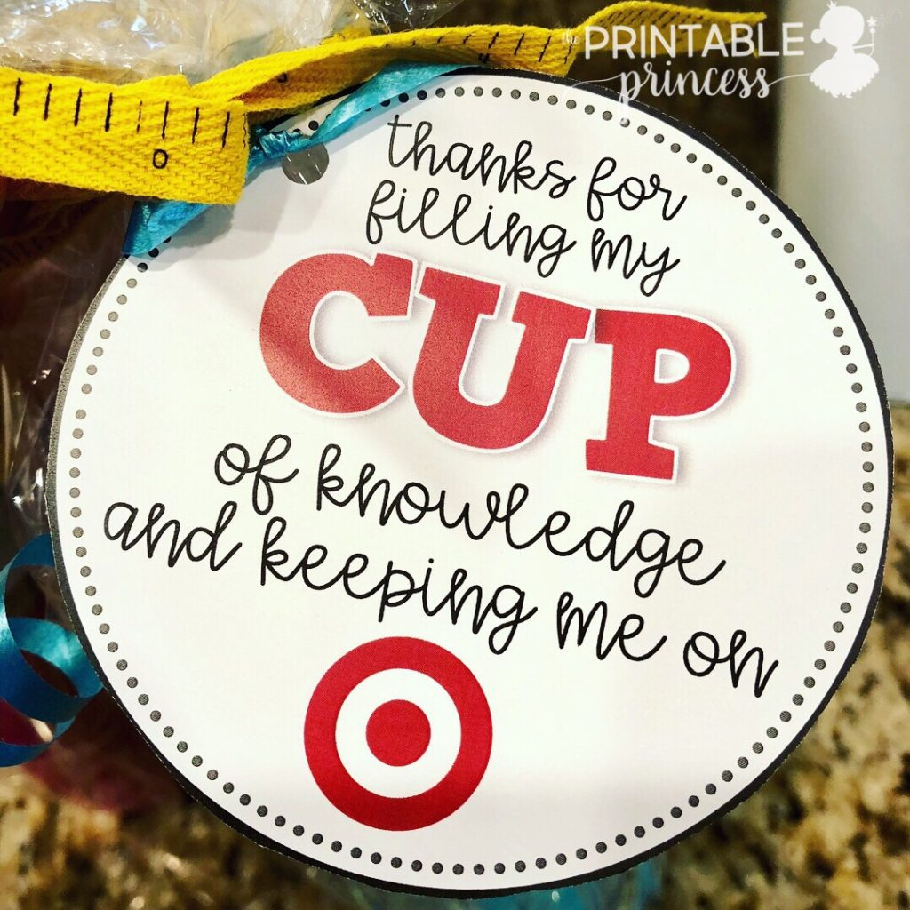 Are you looking for an easy end of the year teacher gift but you're not sure what to get? I've got you covered. The end of the year is a super busy time so here's an idea that you can pick up the next time you're at the store, then download the FREE gift tag, and you're set to go.